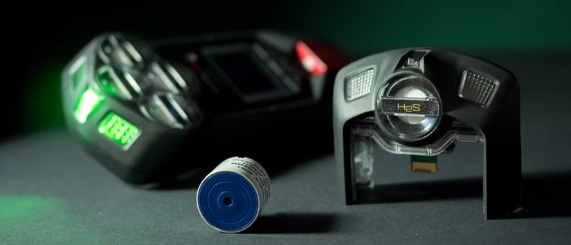 Blackline-Safety-G7-H2S-detector-and-H2S-sensor