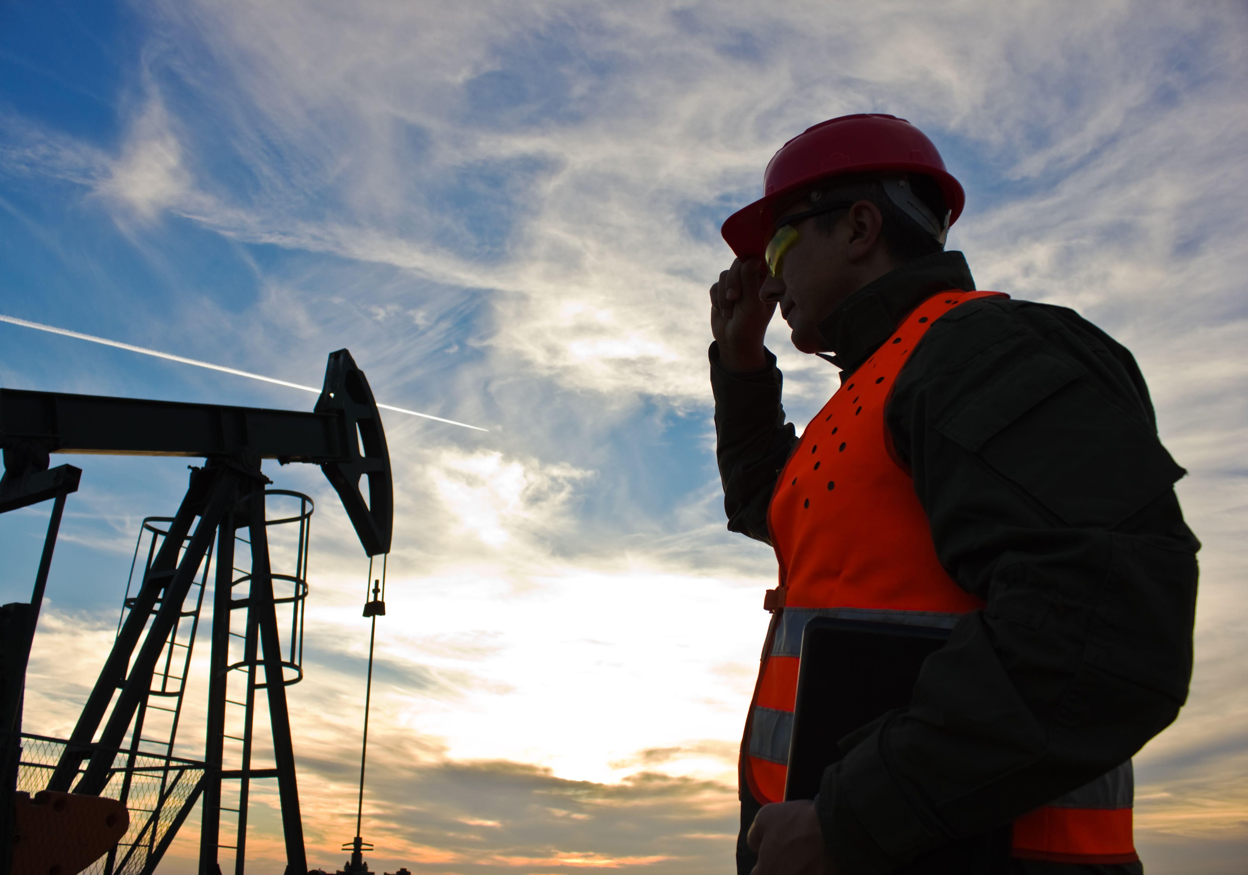 Gas detection oilfield worker