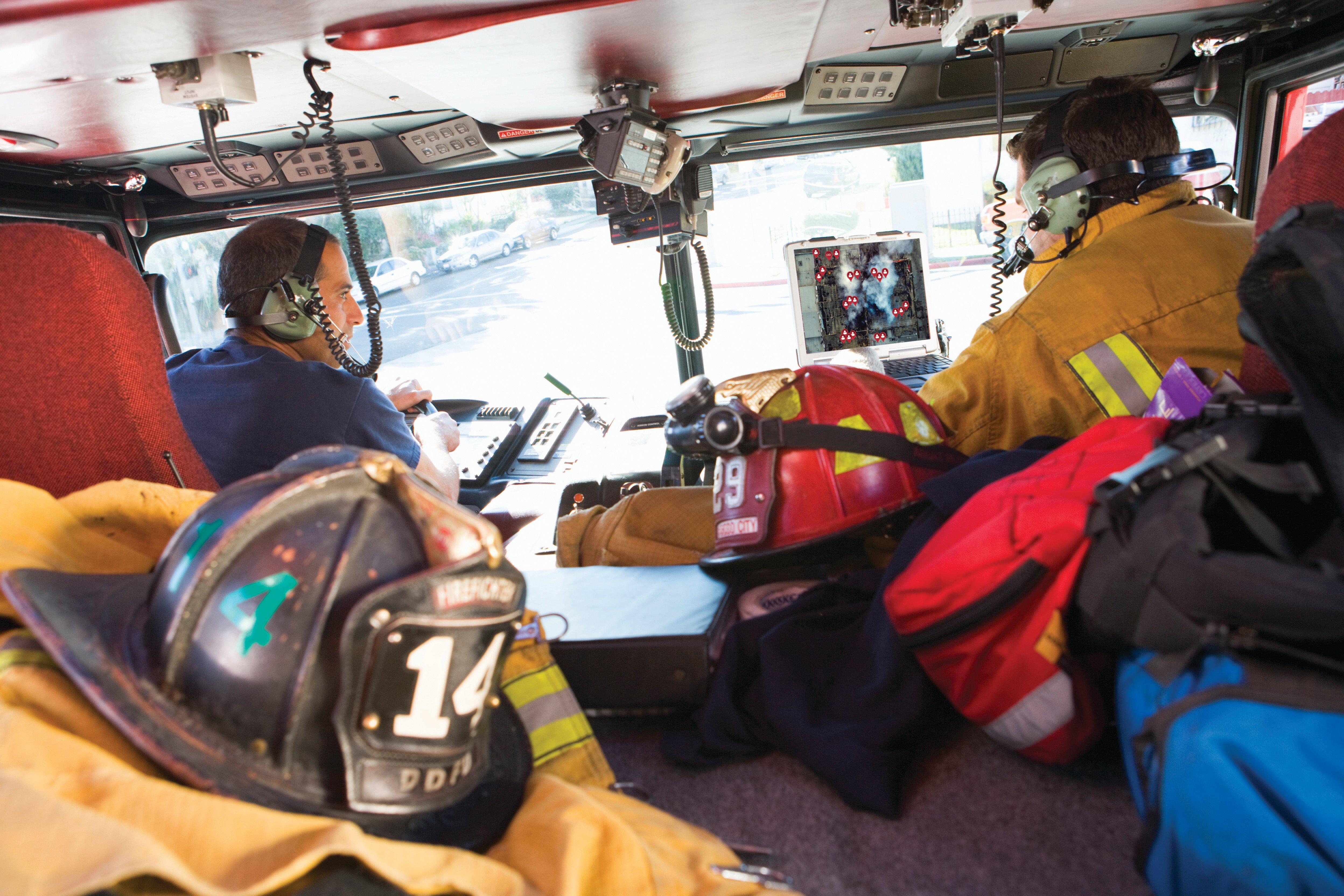 iStock-140217121_firefighters