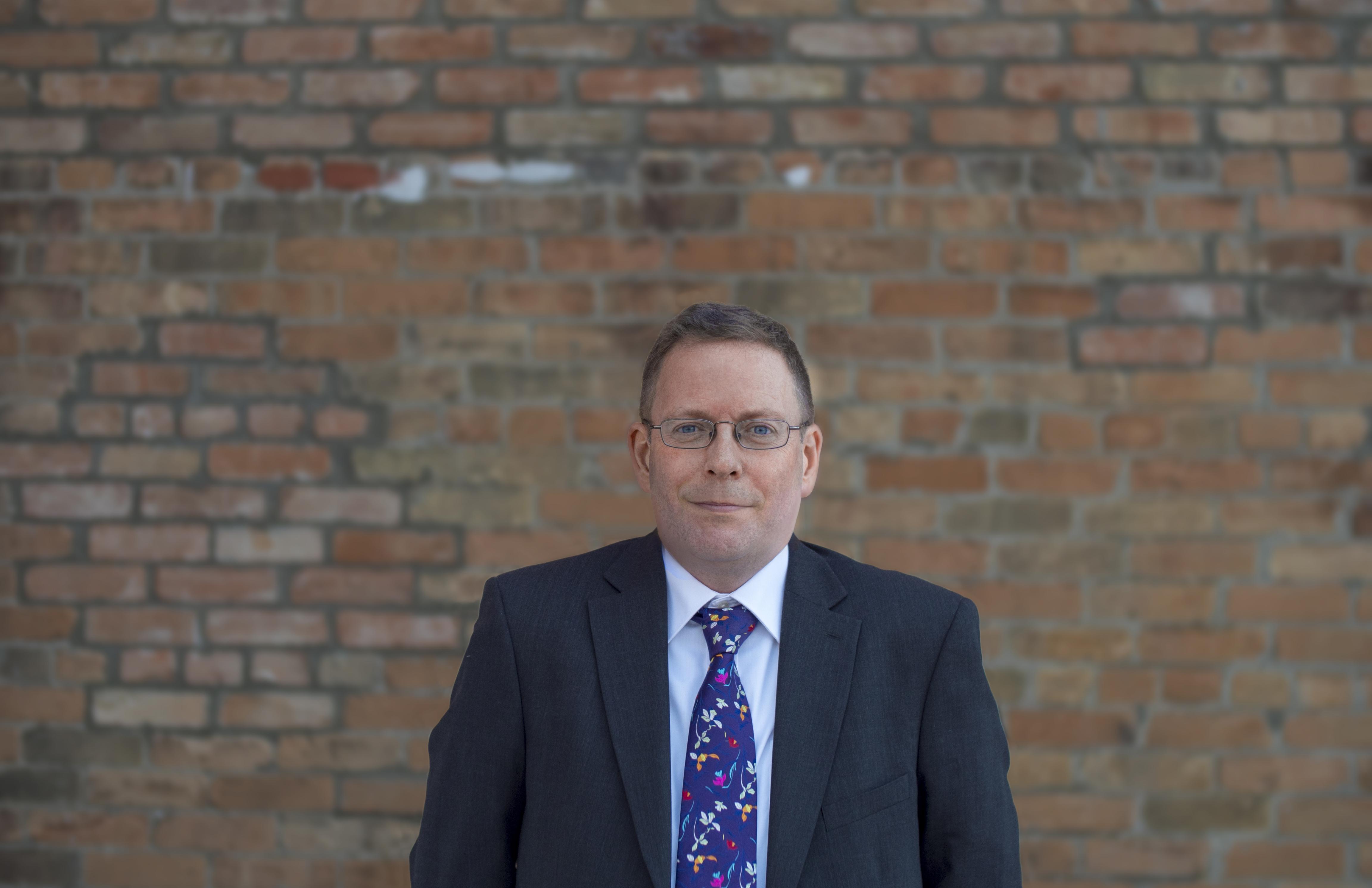 Gavin new image 1000x1000-1