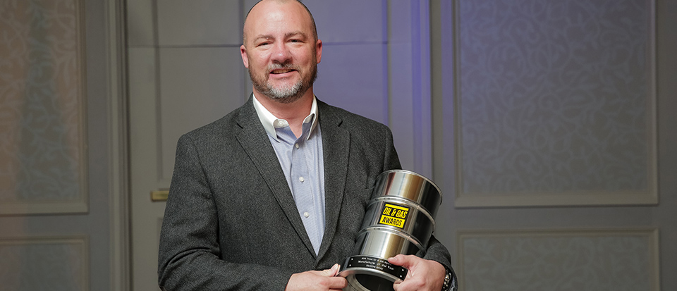Blackline Safety's Chad Grady accepts Manufacturer of the Year at Oil & Gas Awards 2018